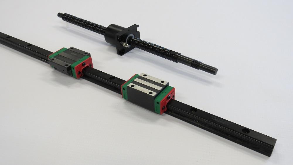 מסילה ליניארית ובורג כדורי מבית Hiwin Technologies בציפוי Black Chrome