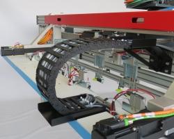 מערכת הזנה ומיקום של מדיה להדפסה בפורמט רחב