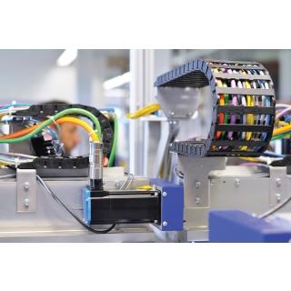 תעלה להובלת כבלים + כבלים רובוטיים לתנועה מבית igus